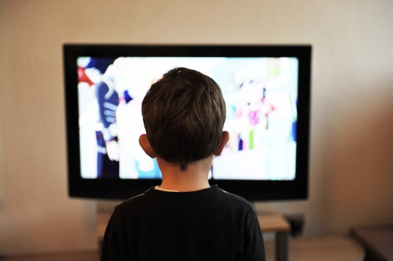 Watching TV too close hurts your eyes US children tv child television home - 4 Myths About Modern Medicine